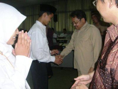 Senin, 7 Juni 2010 IPB mengadakan pembukaan Program Pra Universitas(PPU) bagi 60 calon mahasiswa BUD Kementerian Agama RI (Kemenag) di Kampus IPB Darmaga Bogor.  PPU dilaksanakan selama 2 bulan, mulai 5 Juli – 4 Agustus 2010 di Kampus IPB Darmaga.